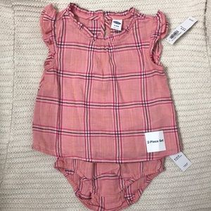 🍊 3 for $25 - Old Navy Plaid Two Piece Outfit